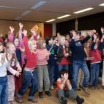 Begeistere SchülerInnen in der Charlotte-Salomon-Grundschule Kreuzberg