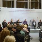Podium der FES am 27.10.2009 v.l.n.r.:  Dr. Wolfgang Uellenberg-van Dawen,  Prof. Dr. Christoph Butterwegge, Uwe-Karsten Heye, Gabriele Fograscher, Dr. Erhart Körting und Ines Pohl