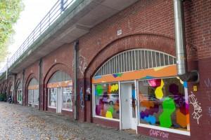 Sitz der Ausstellung 7xjung in den S-Bahn-Bögen Bellevue